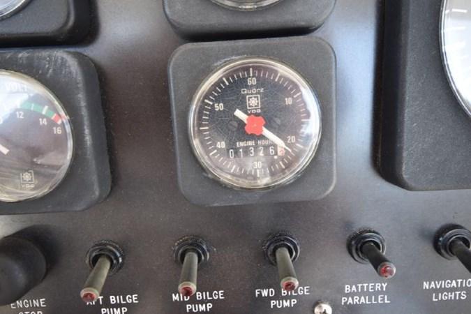 7203165_20190903092823287_1_XLARGE 1989 VIKING  Motor Yacht 2759578