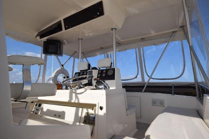 7203165_20190903093042176_1_XLARGE 1989 VIKING  Motor Yacht 2759582