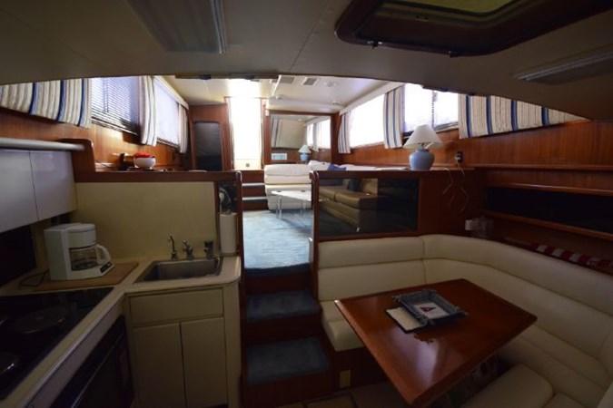 7203165_20190903092910582_1_XLARGE 1989 VIKING  Motor Yacht 2759590