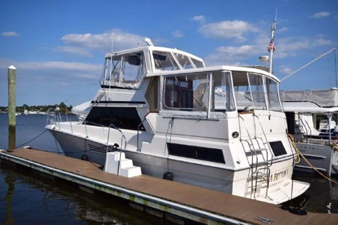 1 1989 VIKING  Motor Yacht 2759595