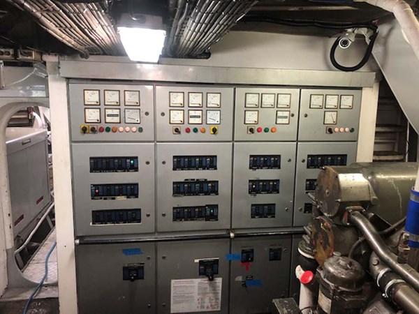 41 Engine Controls 1992 CUSTOM Marine Industrial Technologies 140 Commercial Vessel 2760699