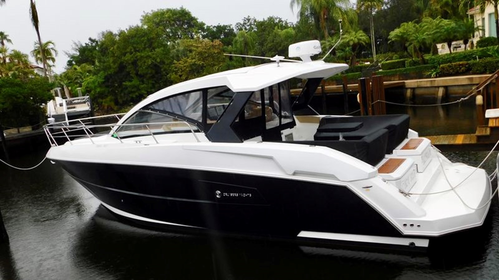 logo-list 2015 CRUISERS Yachts Express Coupe Center Console 2761679