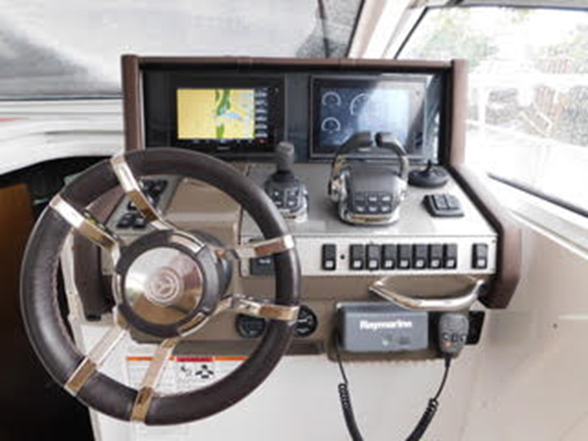 39-2015-Cruisers-Yachts-Express-Coupe-11 2015 CRUISERS Yachts Express Coupe Center Console 2761683