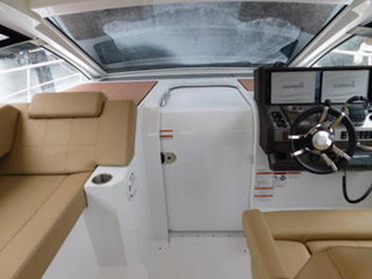 39-2015-Cruisers-Yachts-Express-Coupe-06 2015 CRUISERS Yachts Express Coupe Center Console 2761688