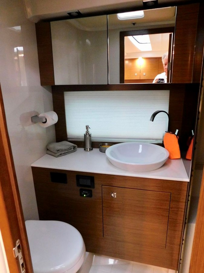39-2015-Cruisers-Yachts-Express-Coupe-13 2015 CRUISERS Yachts Express Coupe Center Console 2761689