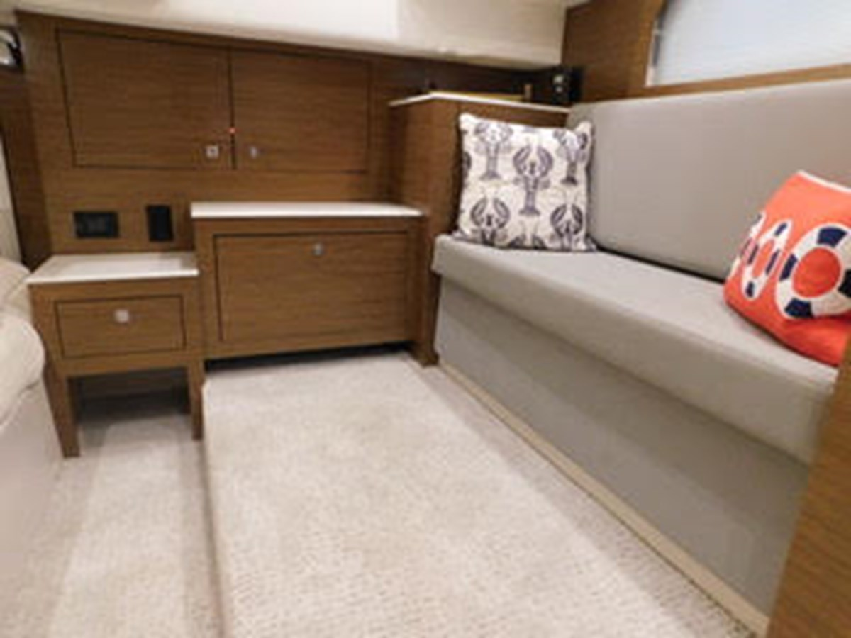 39-2015-Cruisers-Yachts-Express-Coupe-18 2015 CRUISERS Yachts Express Coupe Center Console 2761694
