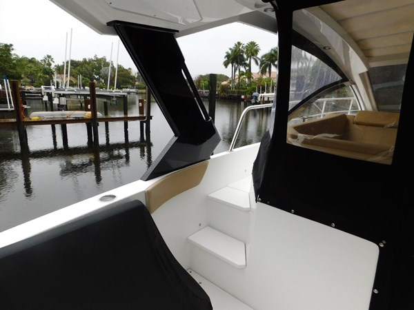 39-2015-Cruisers-Yachts-Express-Coupe-03 2015 CRUISERS Yachts Express Coupe Center Console 2761682
