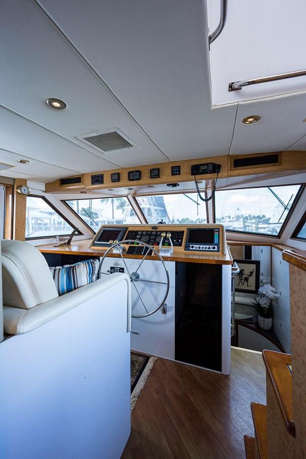 Pilothouse 1990 HATTERAS Motor Yacht Motor Yacht 2764643