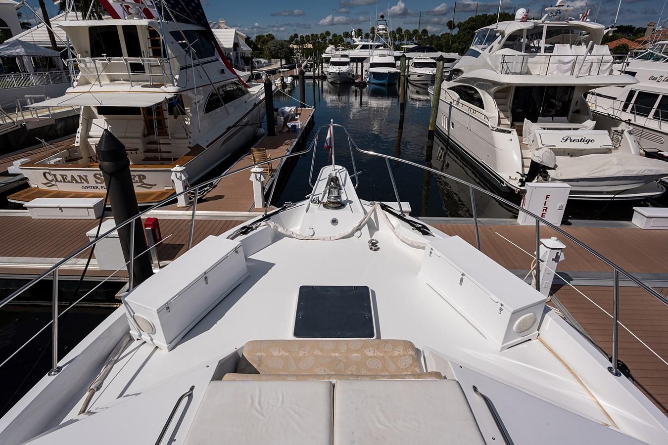 Bow 1990 HATTERAS Motor Yacht Motor Yacht 2764975