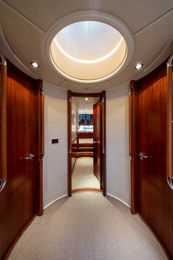Sumara © YachtShot S018 1997 ROYAL HUISMAN  Cruising Ketch 2804988