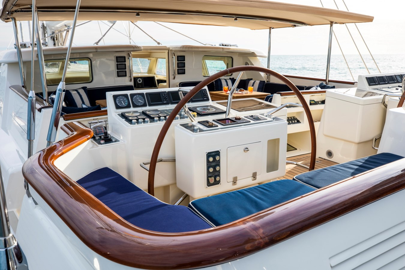 Sumara © YachtShot S038 1997 ROYAL HUISMAN  Cruising Ketch 2805008