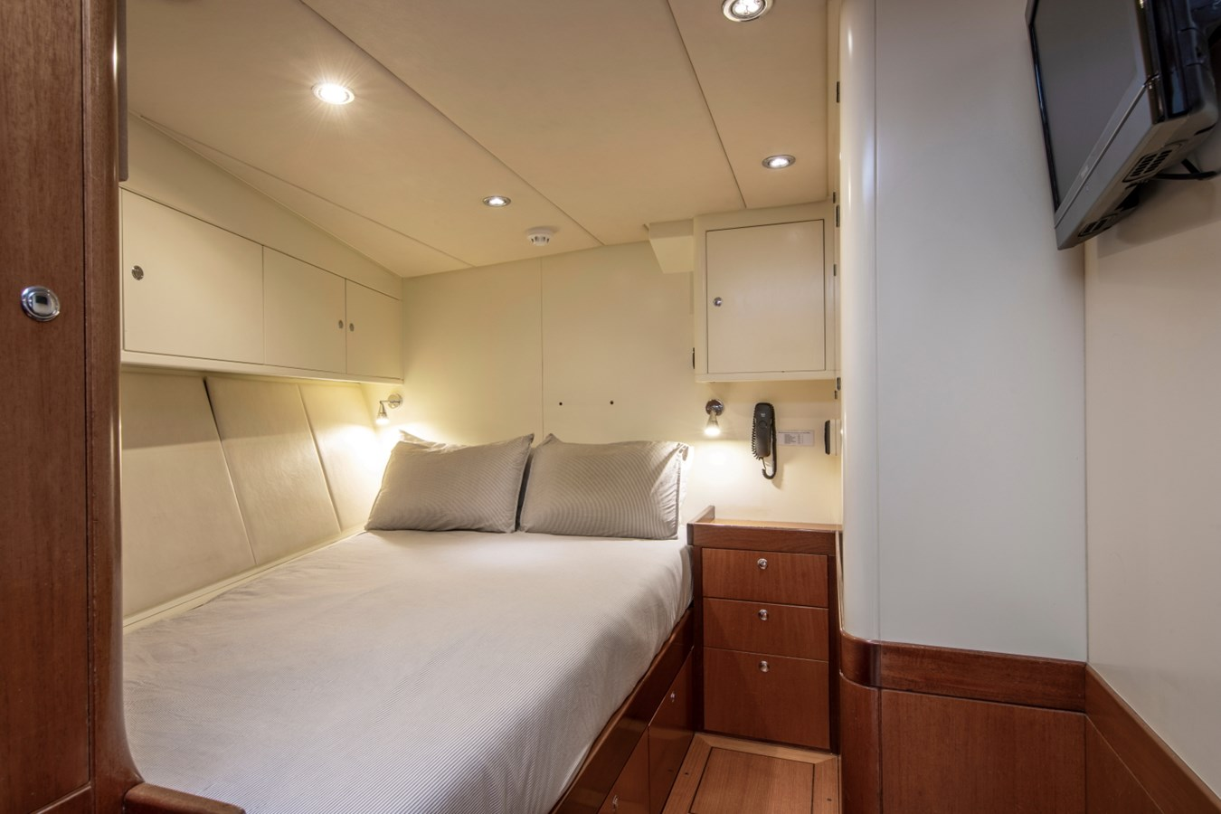 Sumara © YachtShot S053 1997 ROYAL HUISMAN  Cruising Ketch 2805023