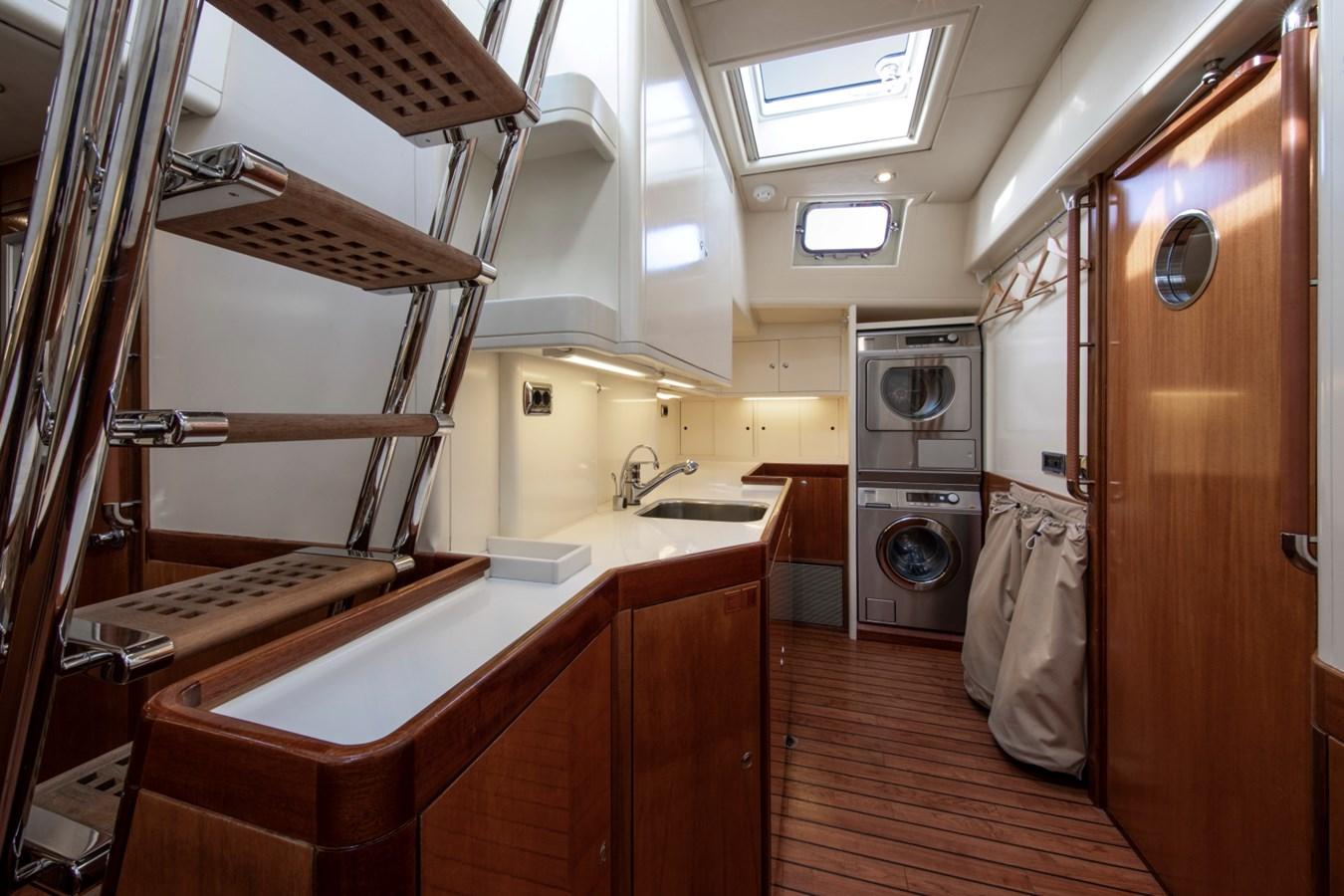 Sumara © YachtShot S057 1997 ROYAL HUISMAN  Cruising Ketch 2805027