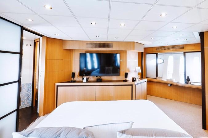 PHOTO-2019-11-15-11-17-51 2 2007 PERSHING 90 Motor Yacht 2767178
