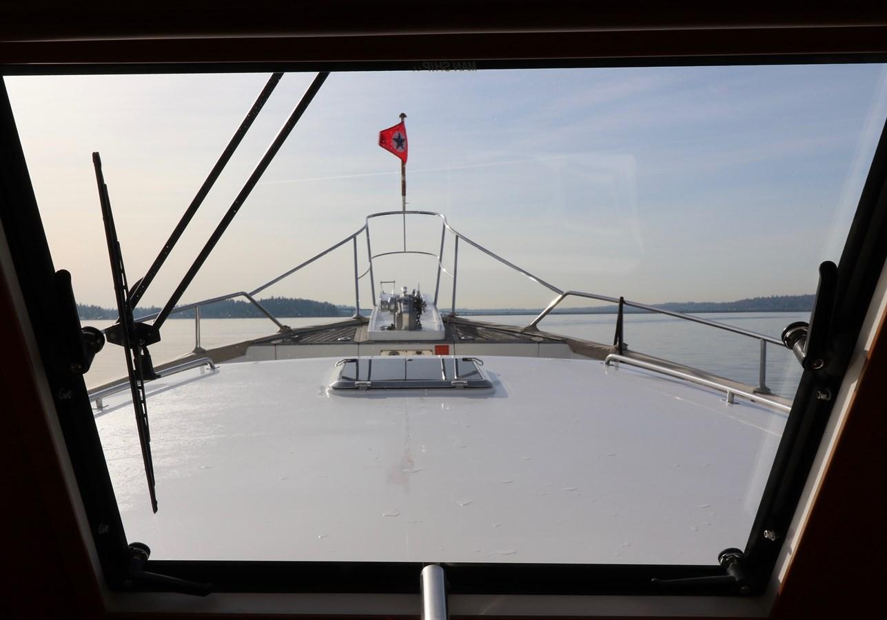 Lower Helm Underway 2008 GRAND BANKS Europa Trawler 2768837
