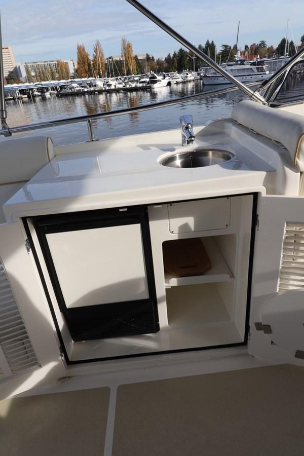 Flybridge Galley 2008 GRAND BANKS Europa Trawler 2768841