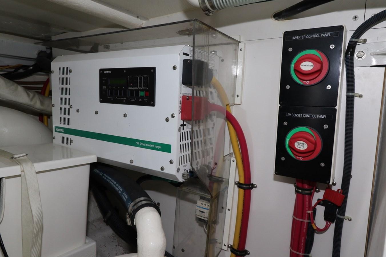 Charger Inverter 2008 GRAND BANKS Europa Trawler 2768928