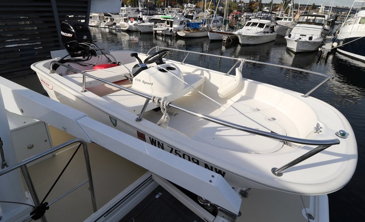 Boston Whaler 2008 GRAND BANKS Europa Trawler 2768801