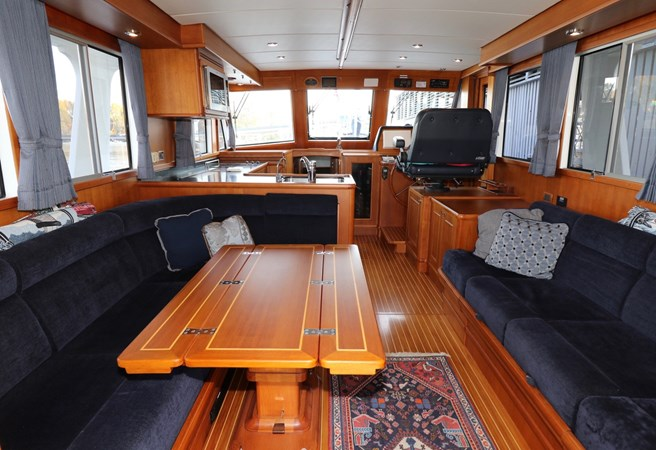 Salon Looking Forward 2008 GRAND BANKS Europa Trawler 2768902