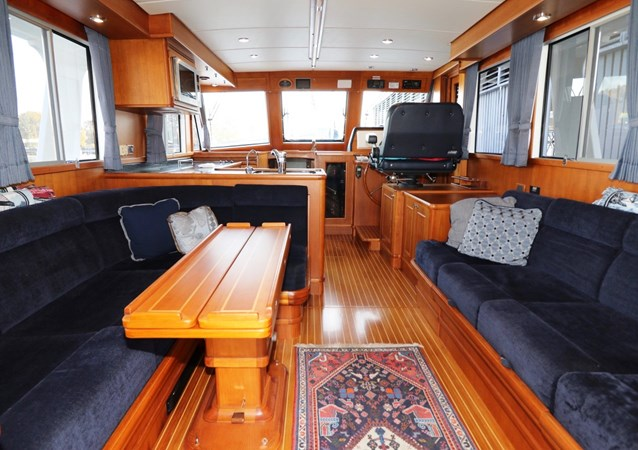 Salon Looking Forward 2008 GRAND BANKS Europa Trawler 2768911