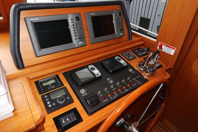 Helm Controls 2008 GRAND BANKS Europa Trawler 2768912