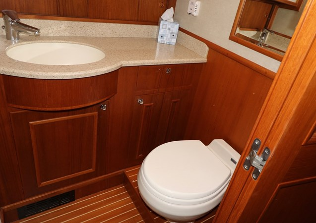 Guest Ensuite 2008 GRAND BANKS Europa Trawler 2768930