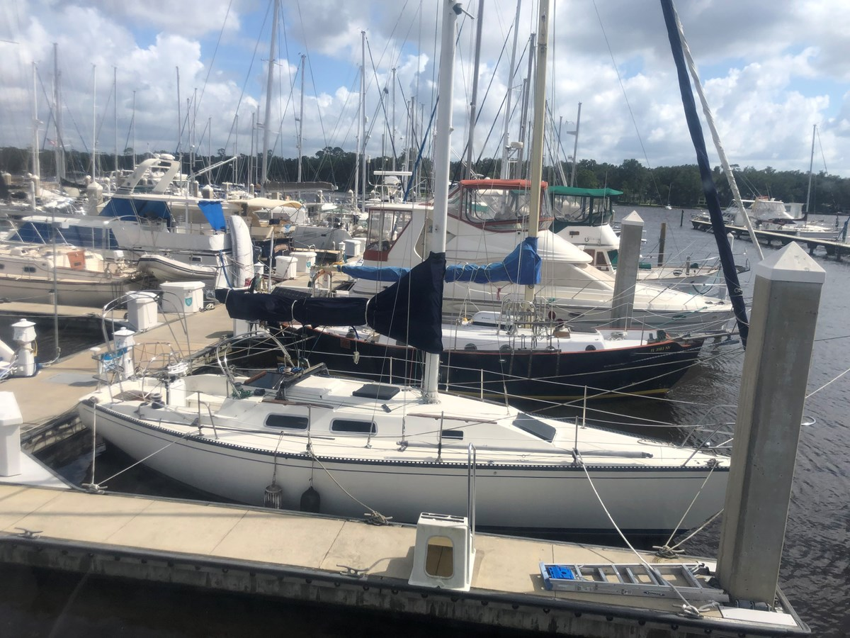 000 HR 1982 SAN JUAN 34 Sloop 2770467