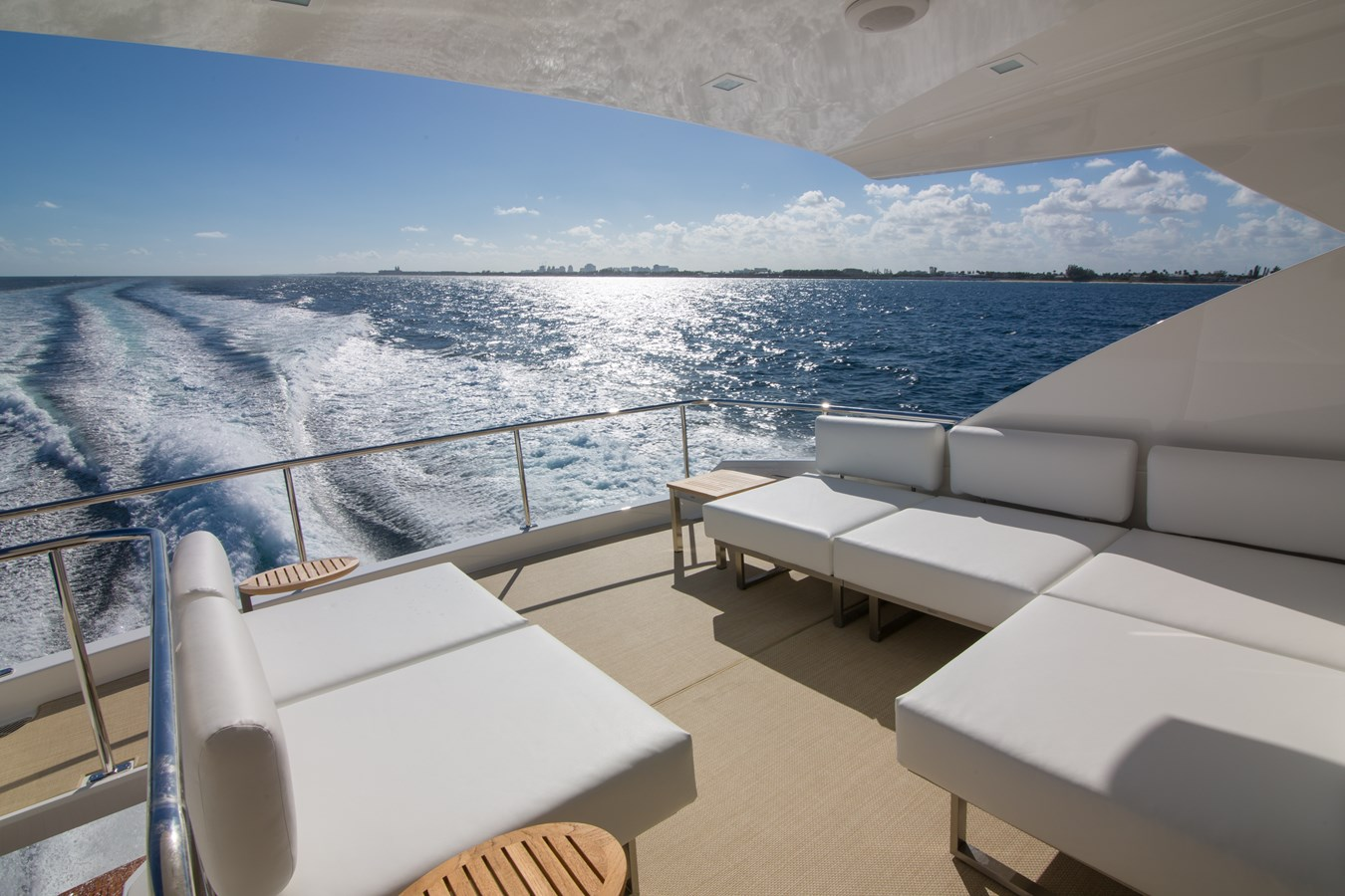 2020 VIKING Motor Yacht Motor Yacht 2772176