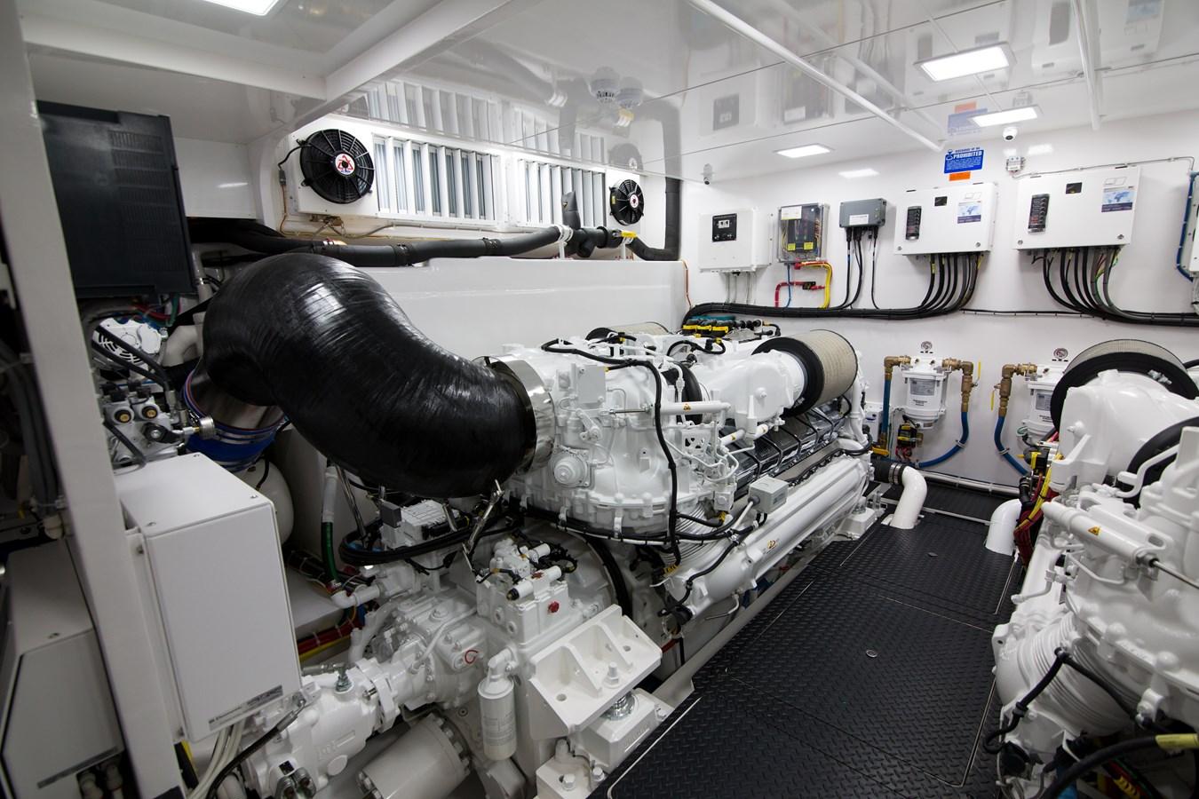 2020 VIKING Motor Yacht Motor Yacht 2772178