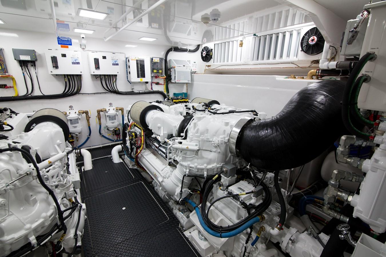2020 VIKING Motor Yacht Motor Yacht 2772179