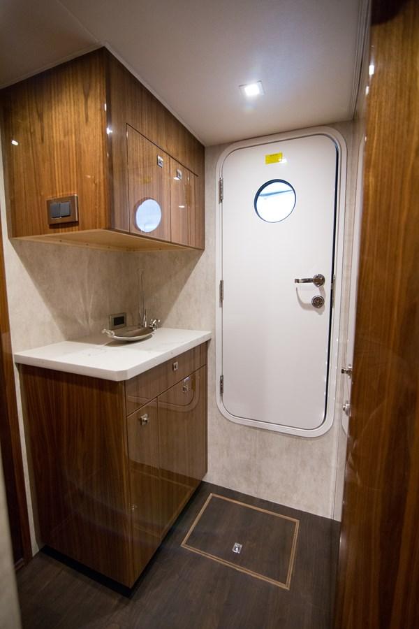 2020 VIKING Motor Yacht Motor Yacht 2772180