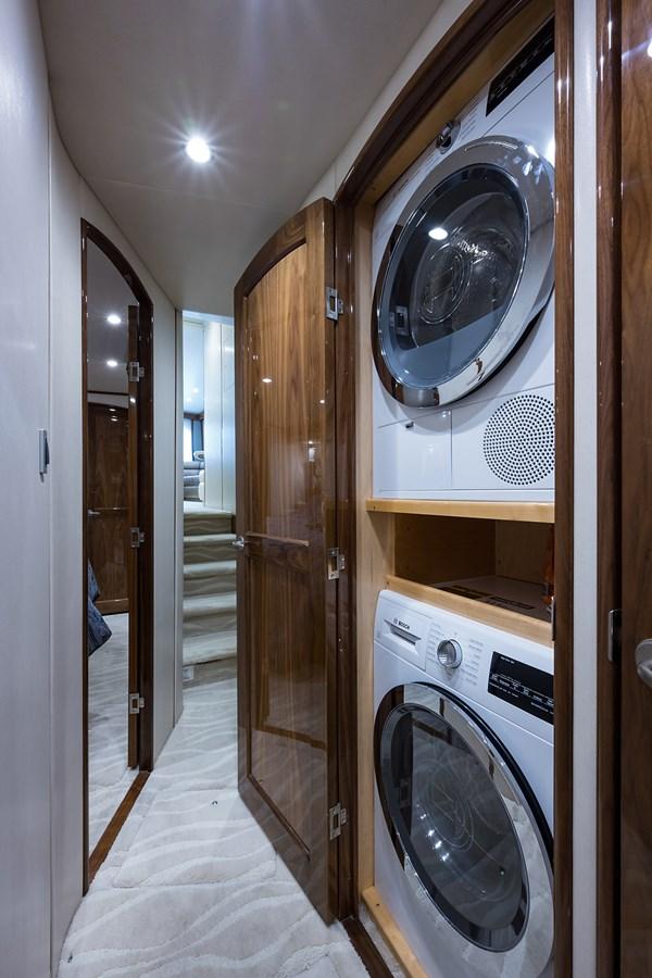 Laundry 2017 VIKING  Sport Fisherman 2772657