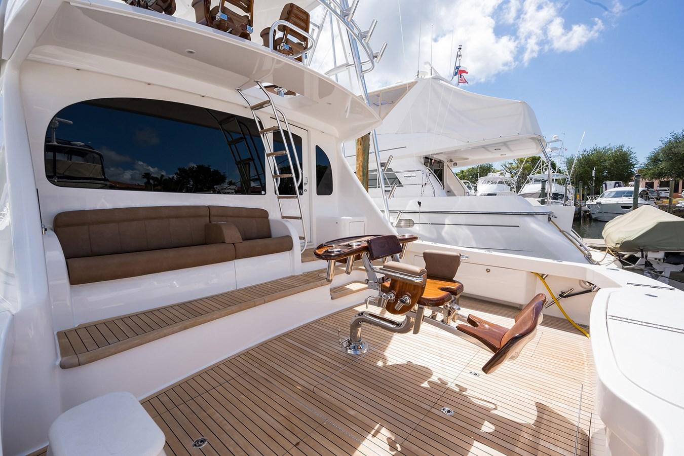 Cockpit 2017 VIKING  Sport Fisherman 2772665