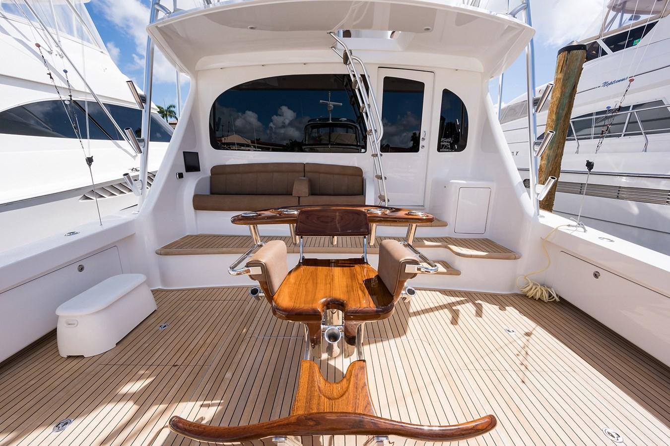 Cockpit 2017 VIKING  Sport Fisherman 2772668