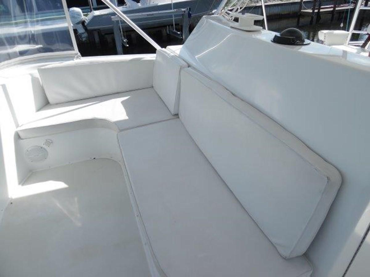 Flybridge Seating 1999 VIKING Convertible Sport Fisherman 2782278