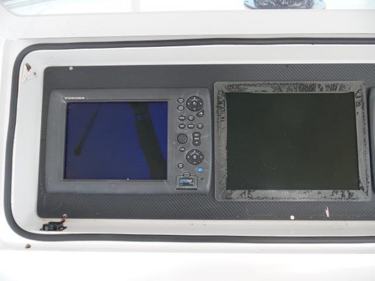 Helm Electronics 1999 VIKING Convertible Sport Fisherman 2782291