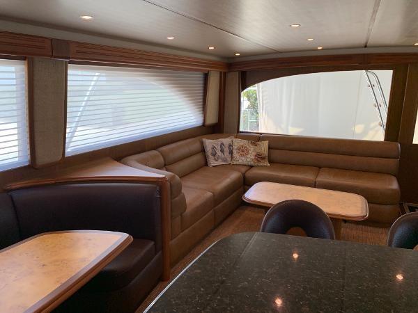 2011 70 Viking Flybridge Dinette (1) 2011 VIKING 70 Flybridge Motor Yacht 2773503