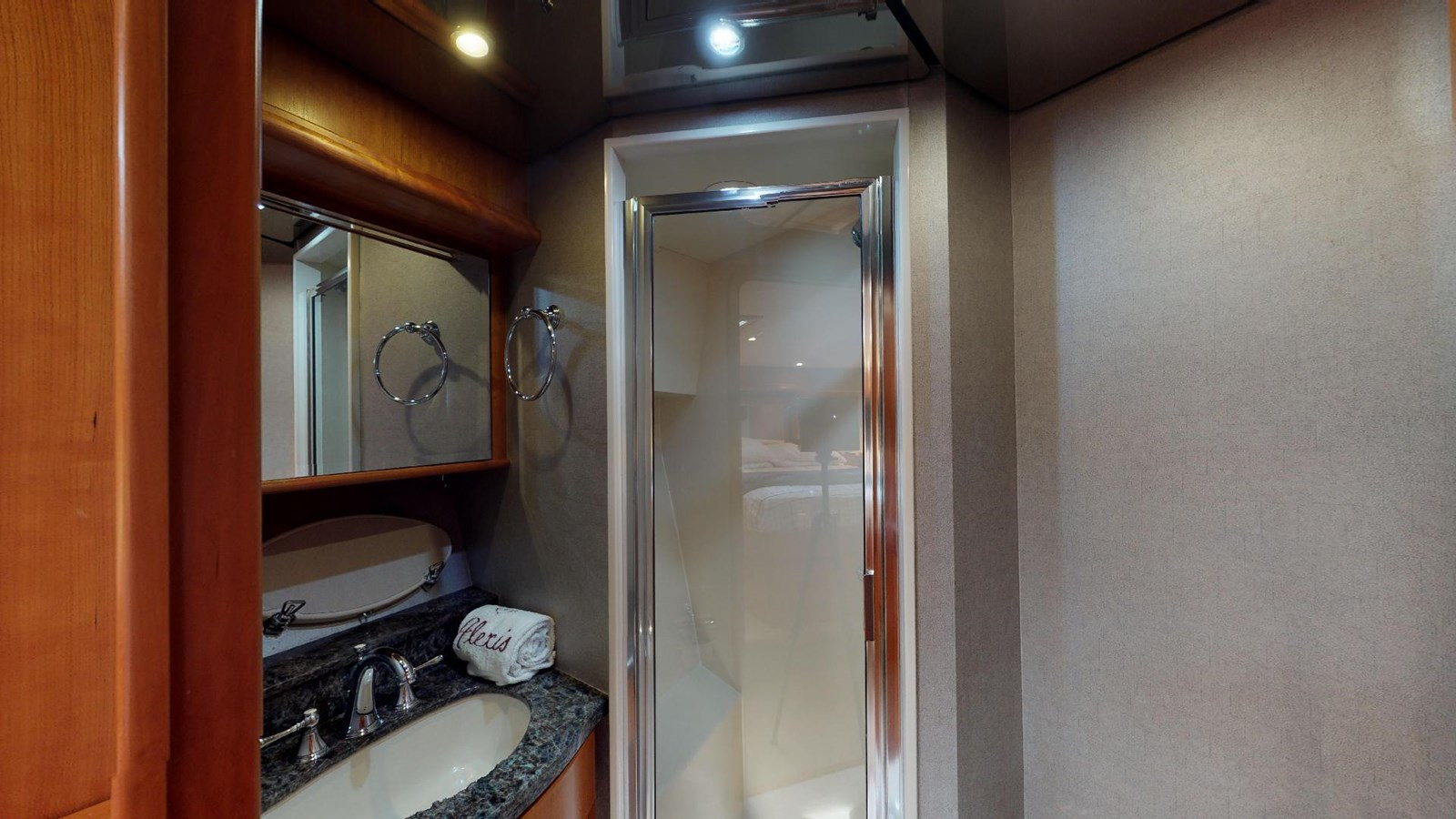 2004 WEST BAY  Motor Yacht 2776837