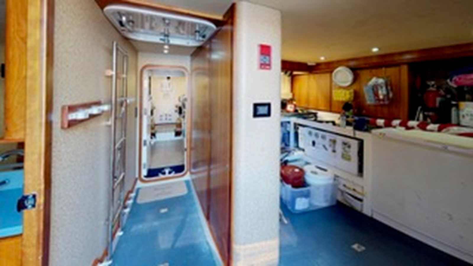 2004 WEST BAY  Motor Yacht 2781347
