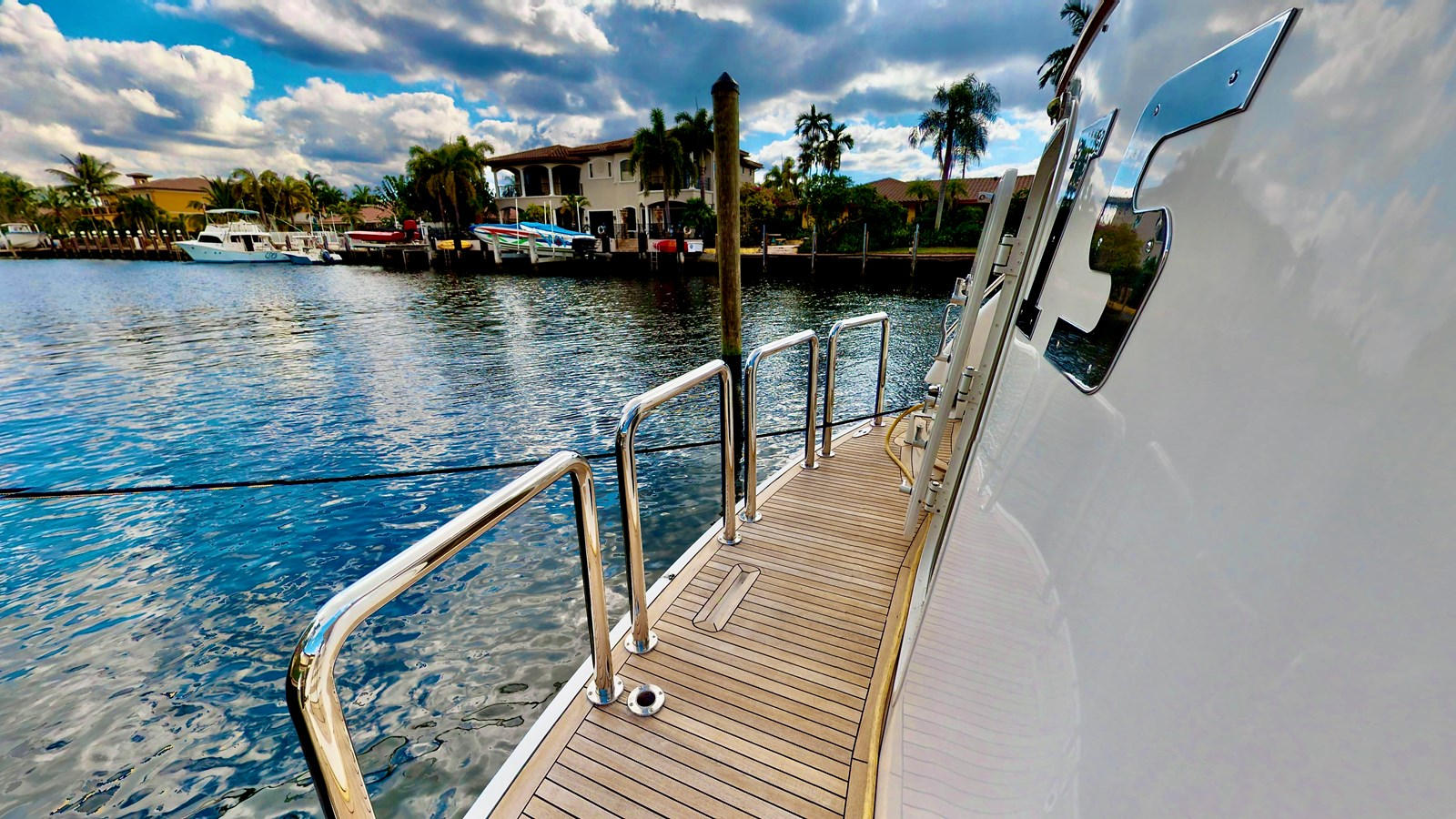 2004 WEST BAY  Motor Yacht 2786847