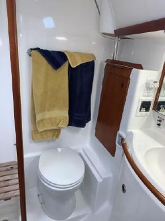 7292187_20191122100911856_1_XLARGE 2000 BENETEAU  Cruising Sailboat 2774801