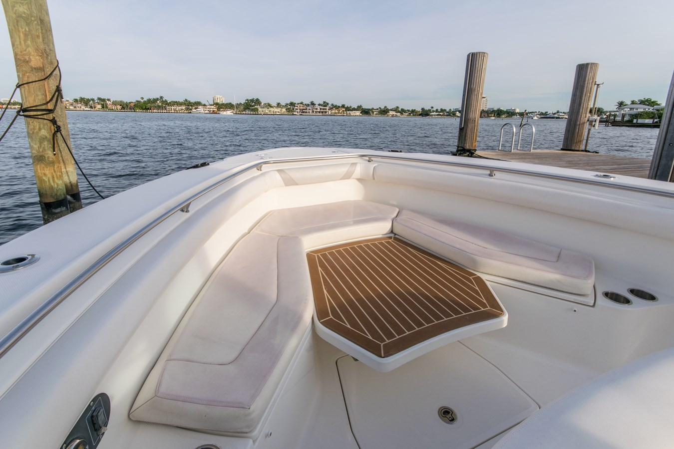 4 2011 BOSTON WHALER Outrage Center Console 2776565