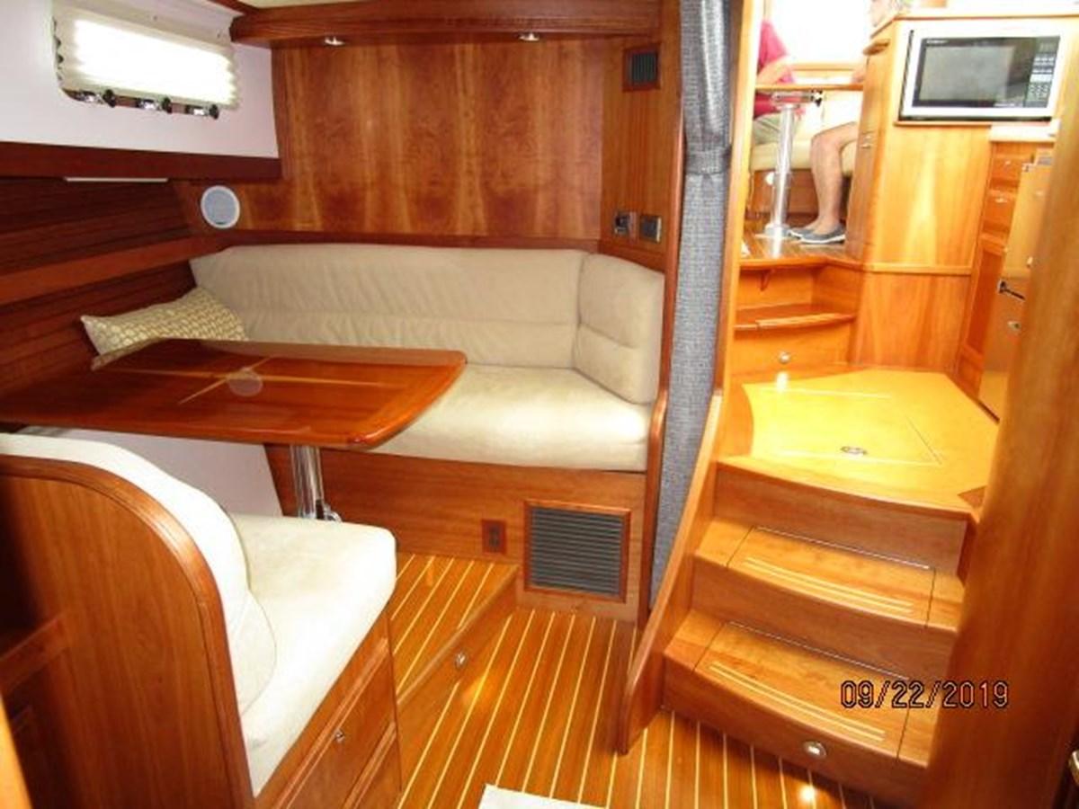 """39 2010 SABRE YACHTS """"40"""" Express Motor Yacht 2777327"""