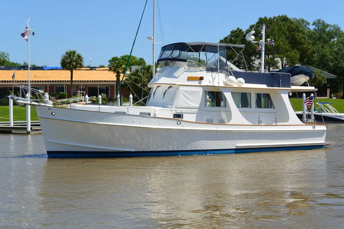 1 2002 GRAND BANKS  Trawler 2777516