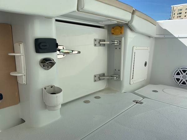 IMG_0571 2015 YELLOWFIN  Center Console 2778505