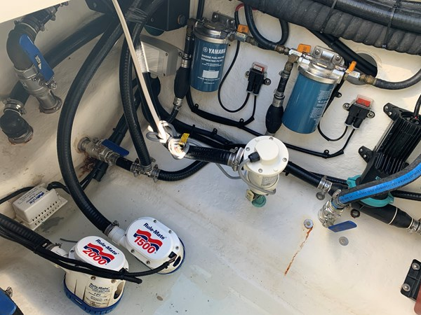 IMG_0576 2015 YELLOWFIN  Center Console 2778522