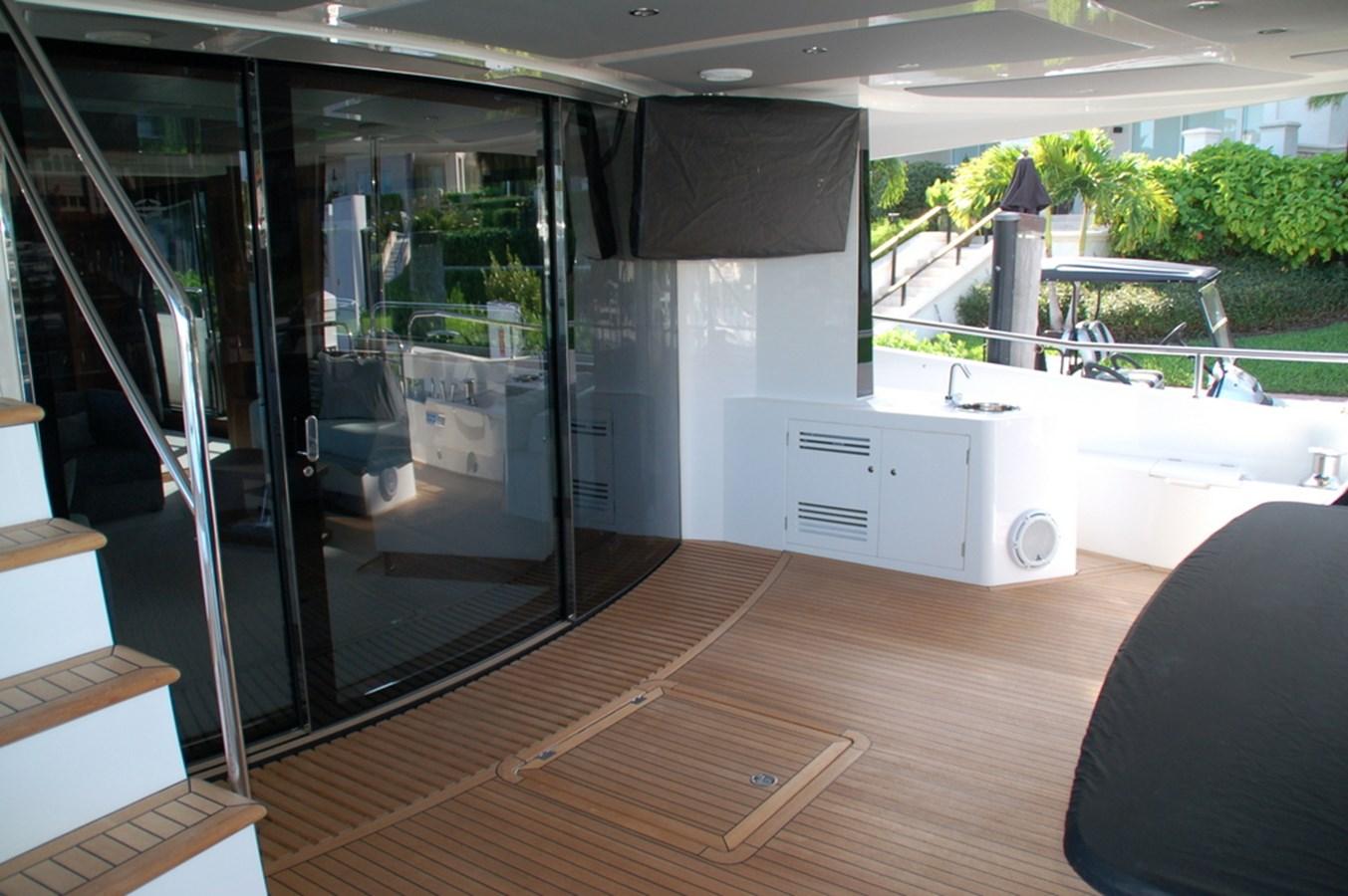 86-2018-Sunseeker-Yacht-05