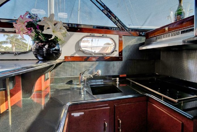 7000061_20190624190108539_1_XLARGE 2020 CUSTOM  Motor Yacht 2780142