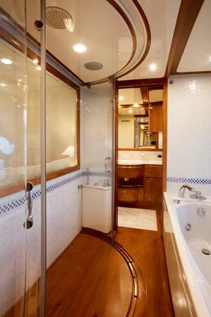 2005 FERRETTI  Motor Yacht 2781229