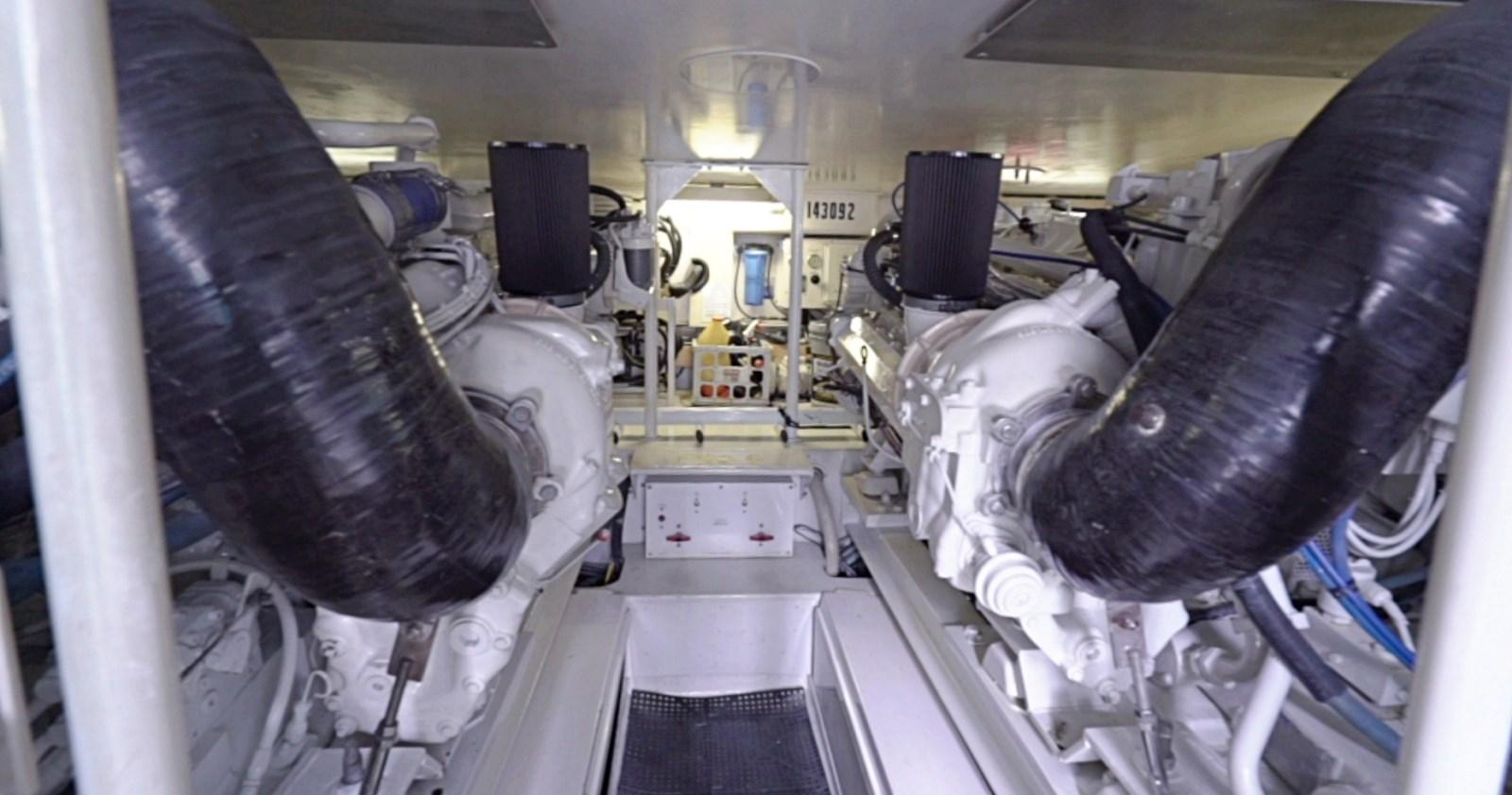 Engine Room Forward 1999 VIKING  Sport Fisherman 2887310